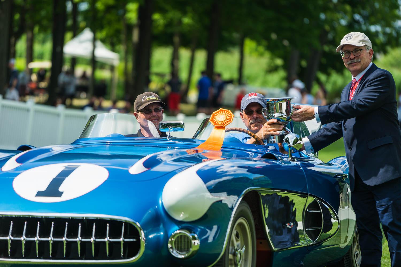 Corvette SR-2 winning award