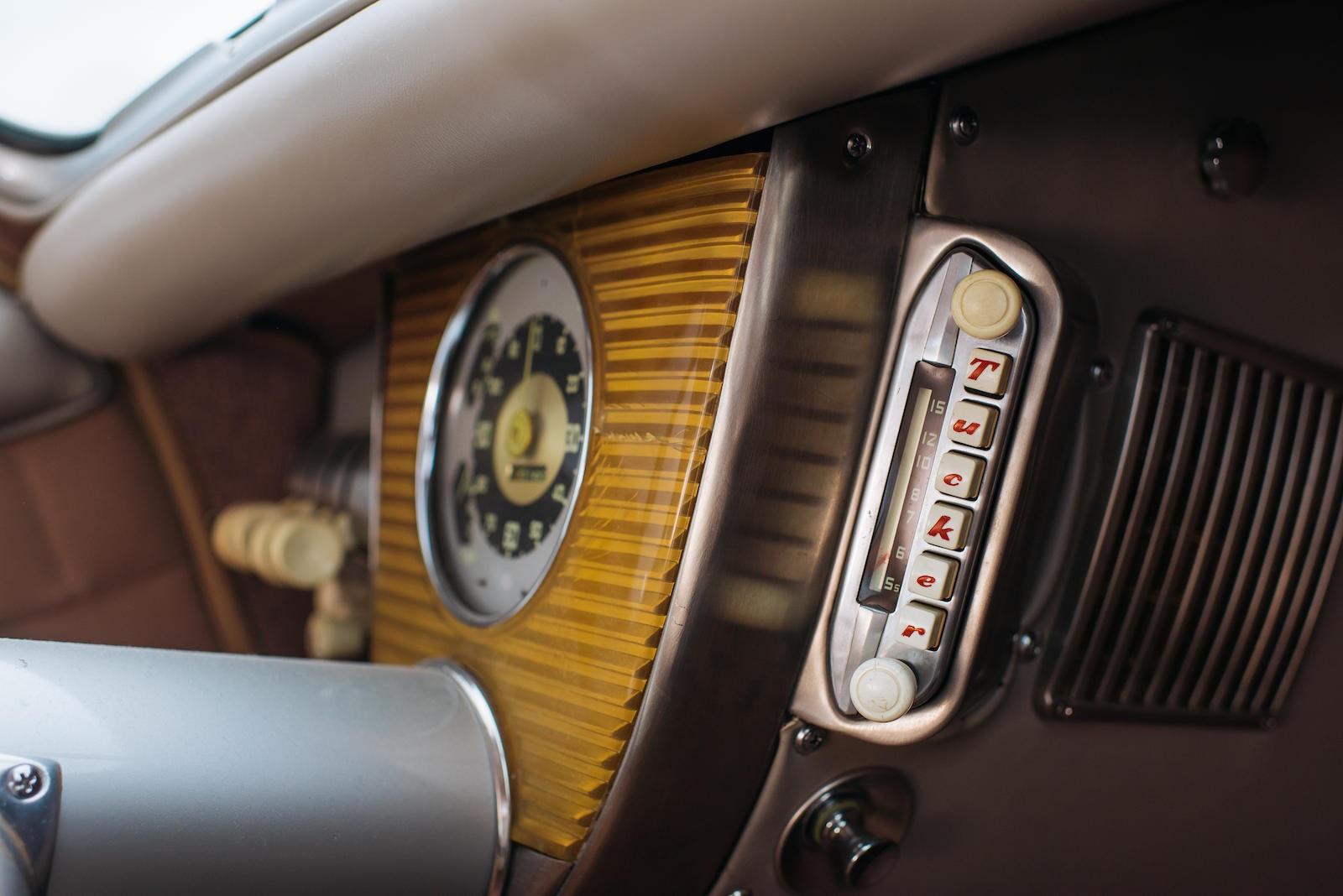 1948 Tucker 48 radio