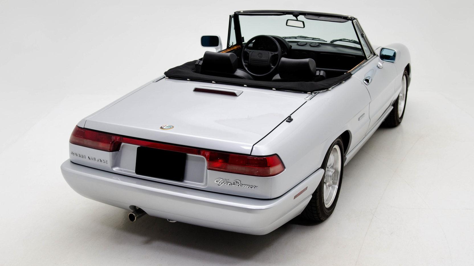 1991 Alfa Romeo Spider rear 3/4