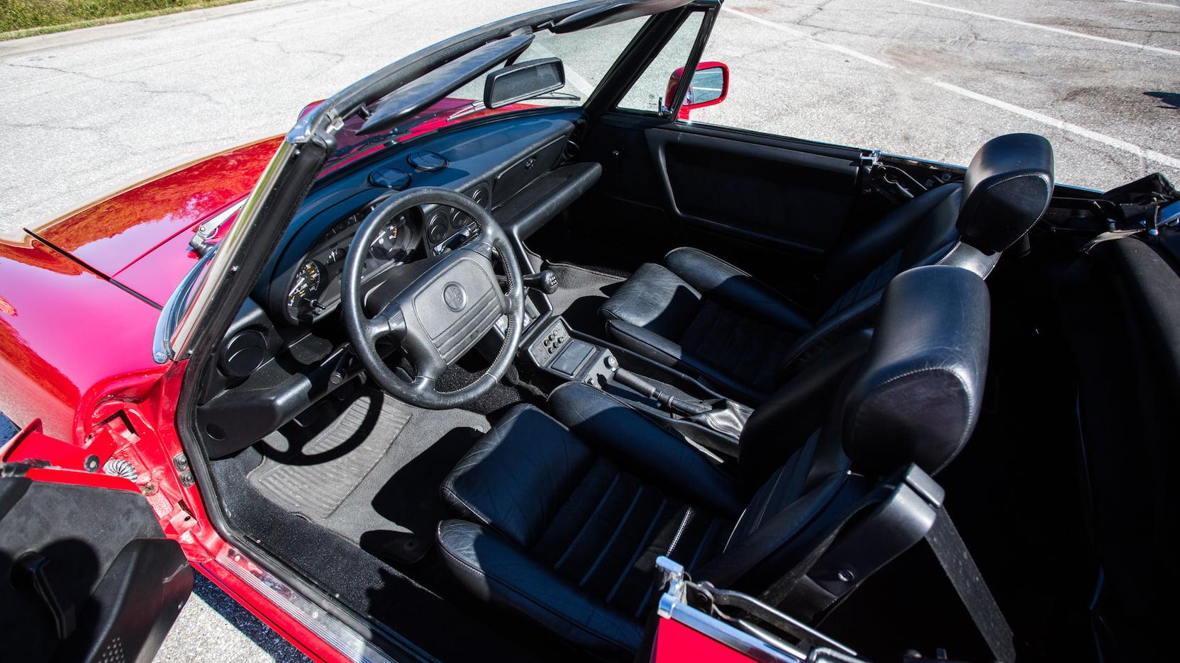 1992 Alfa Romeo Spider interior