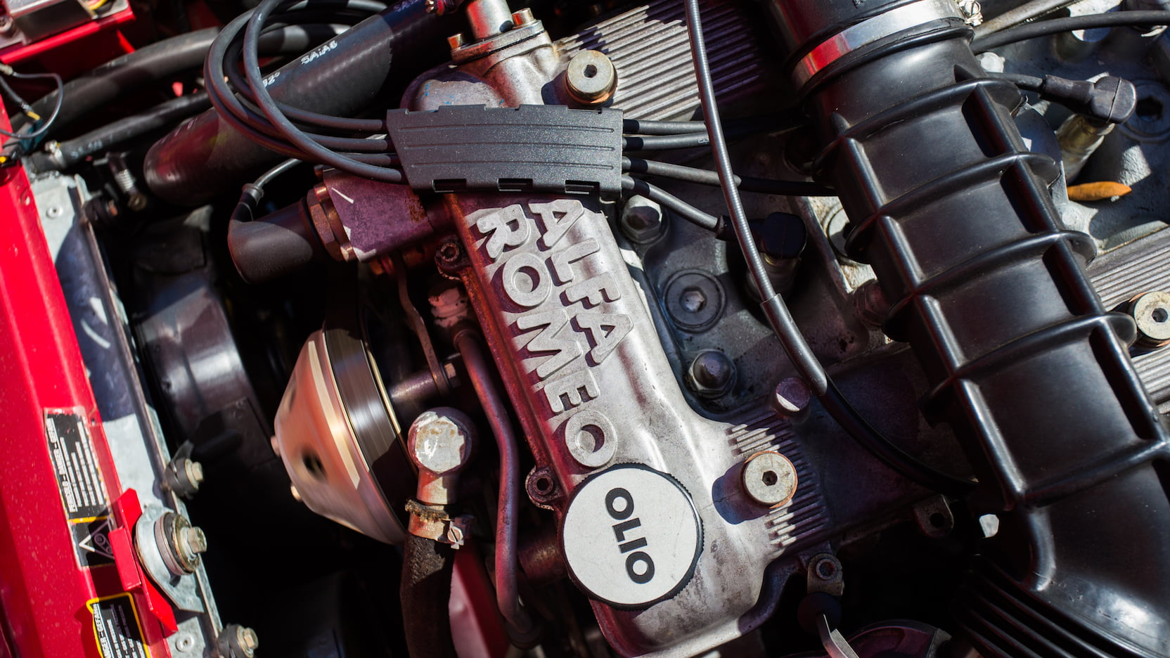 1992 Alfa Romeo Spider engine detail