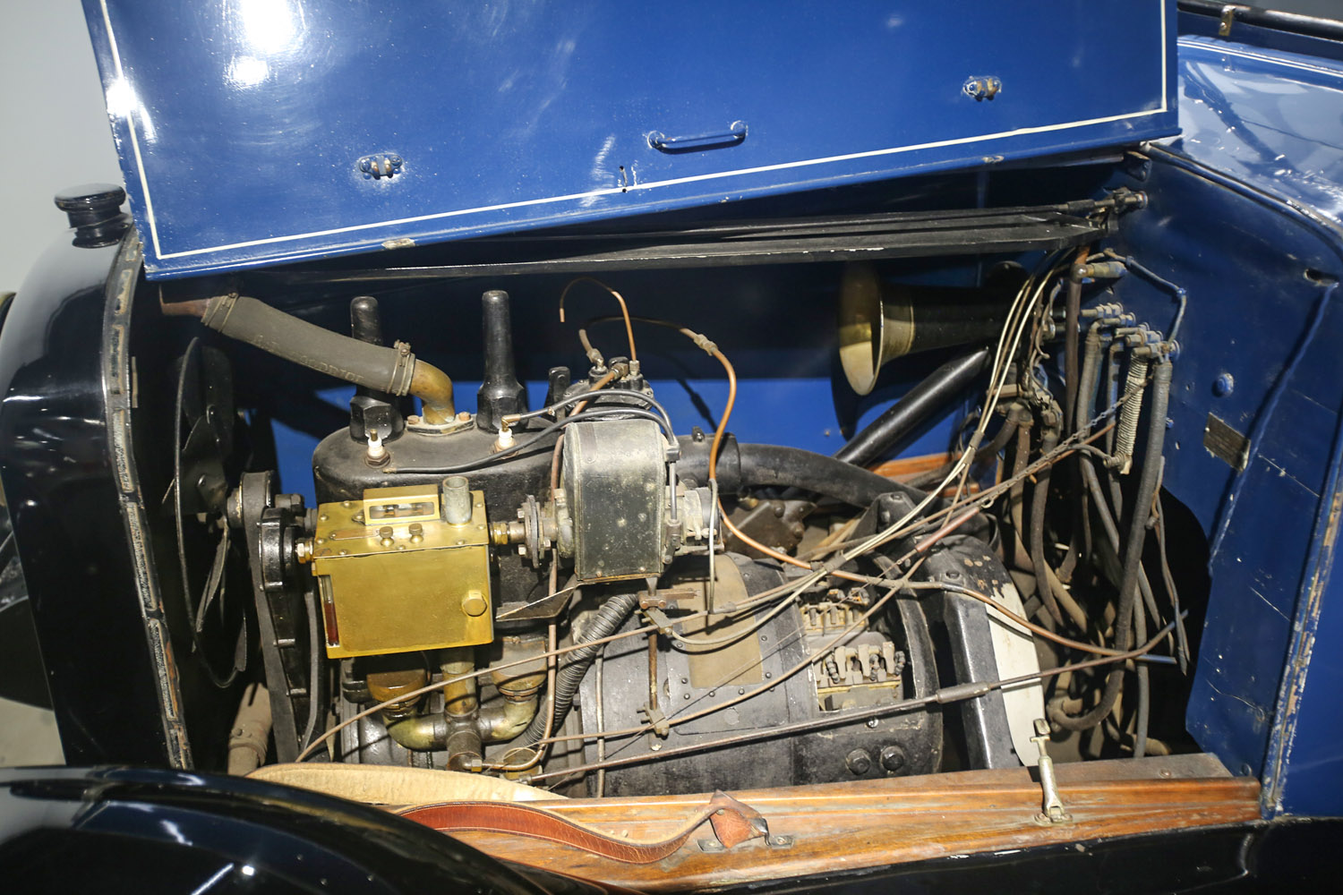 1914 Galt engine