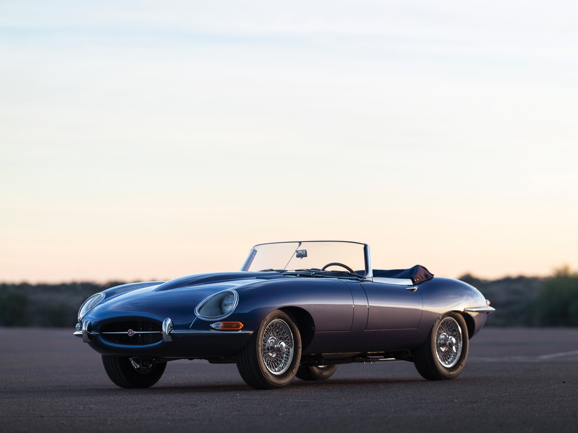 1966 Jaguar E-Type wire wheels