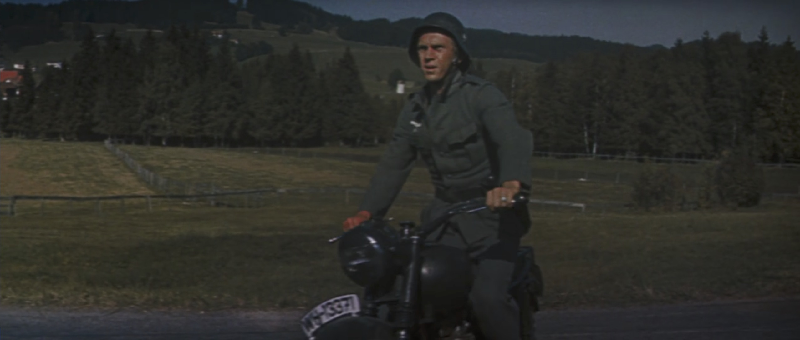 The Great Escape steve mcqueen steals motorcycle