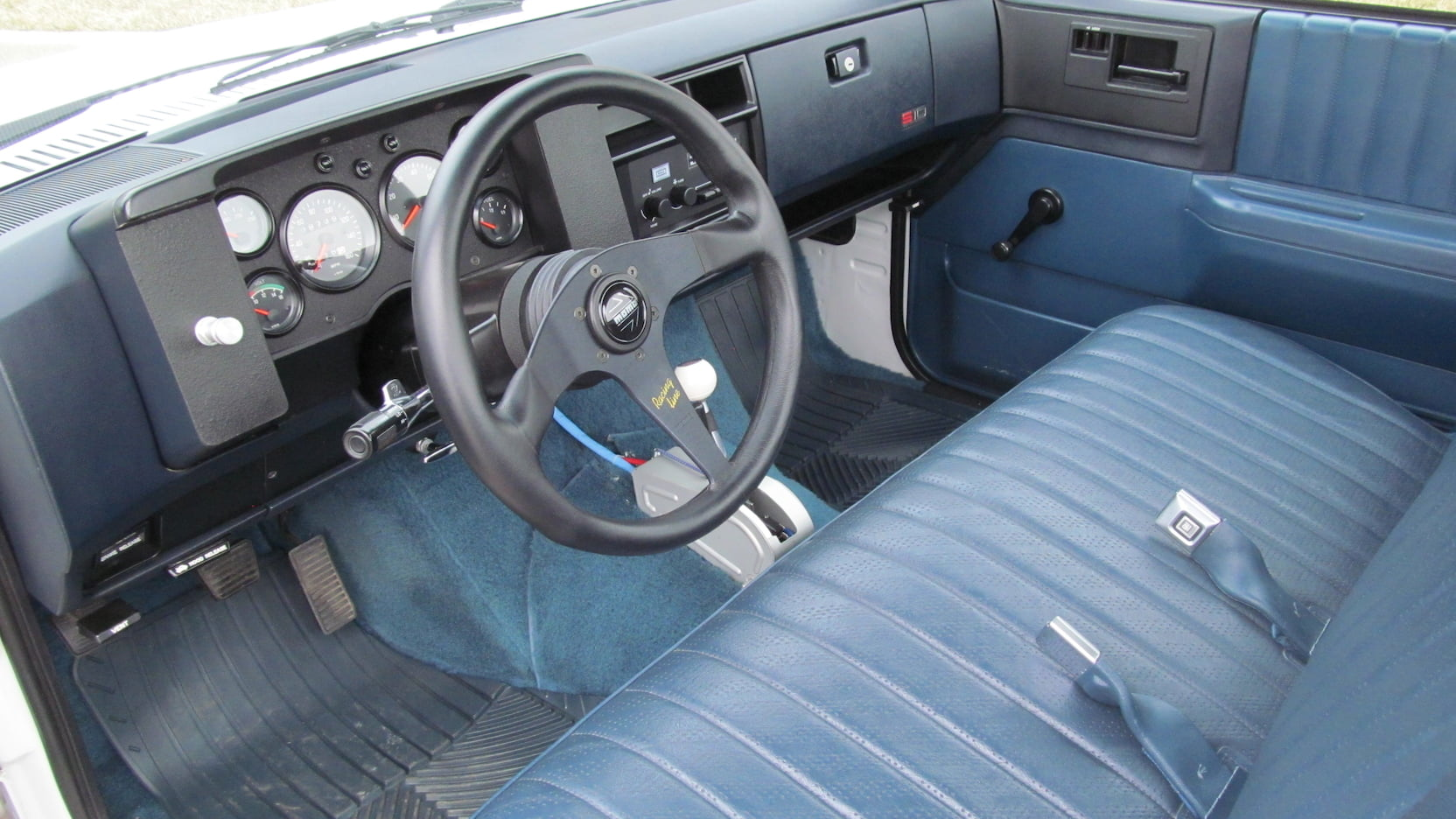 1987 Chevrolet S10 interior