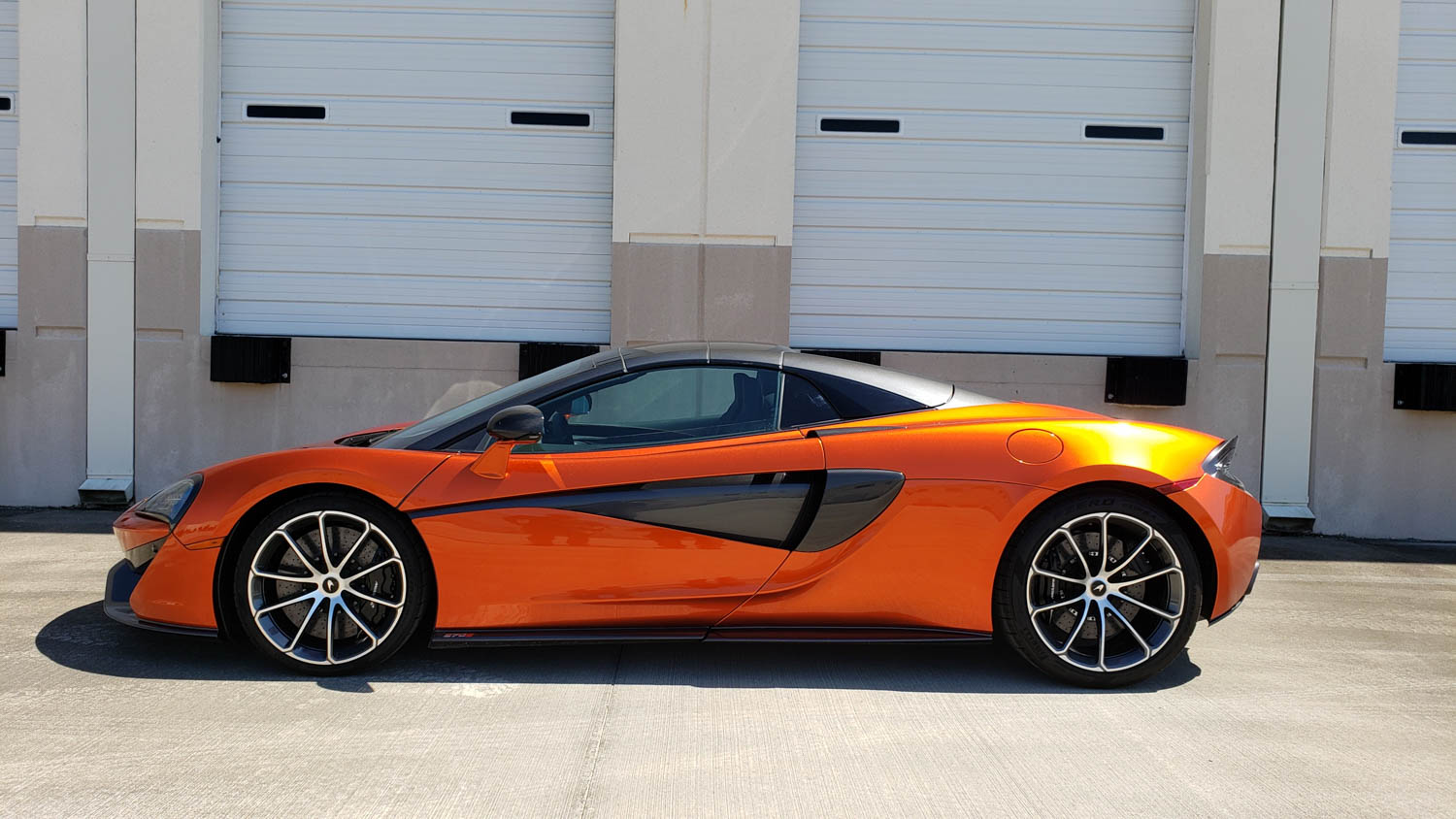 McLaren 570S Spider side profile