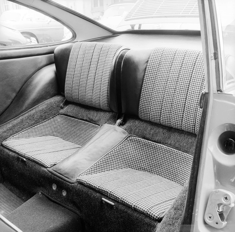 Recaro rear seat details