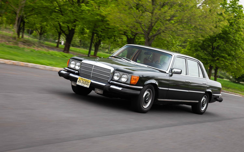 1974 Mercedes-Benz 450SEL driving