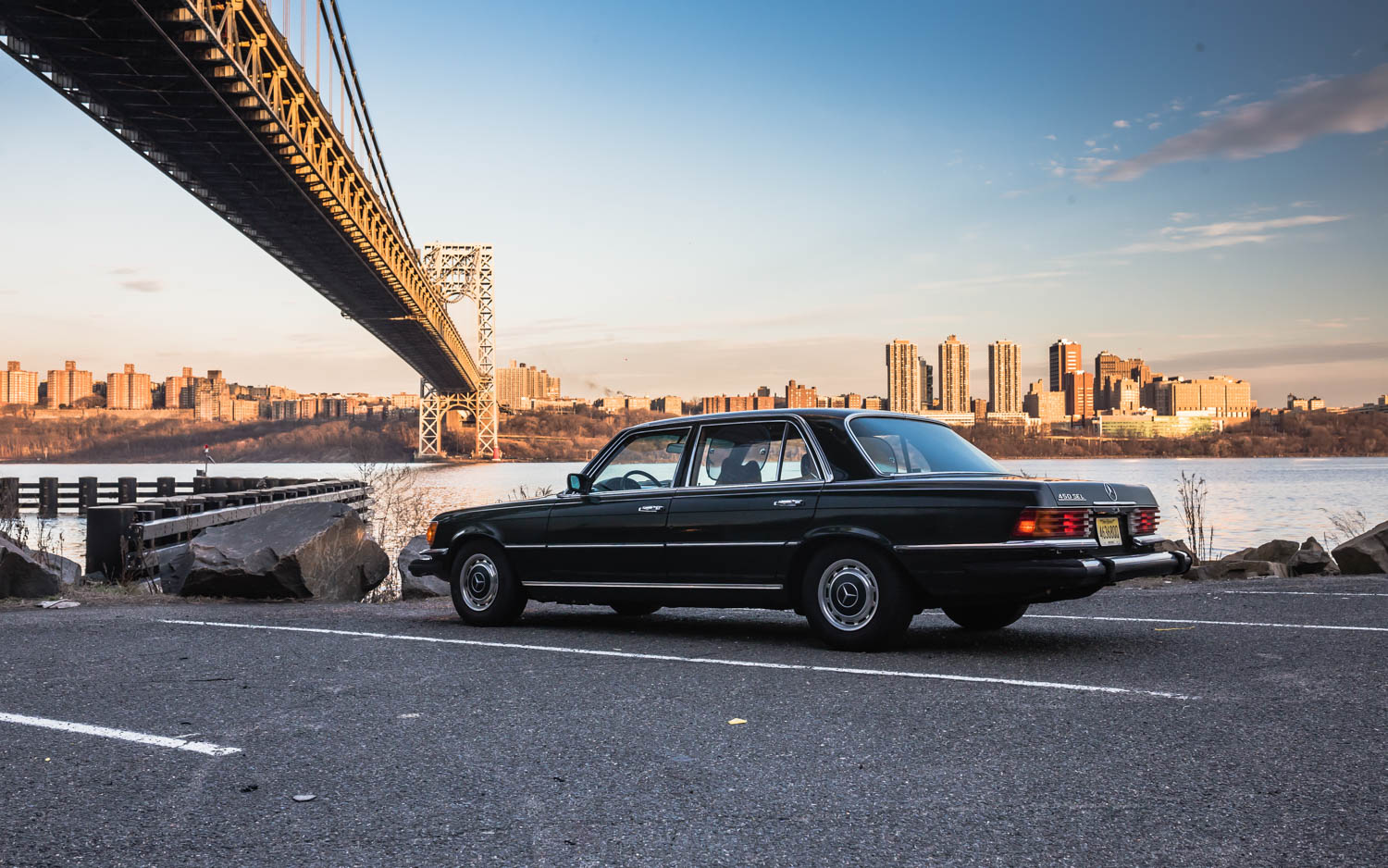 1974 Mercedes-Benz 450SEL under a bridge