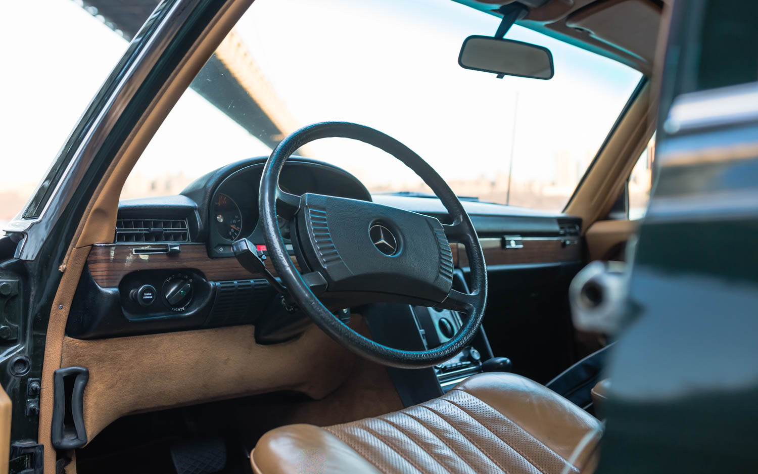 1974 Mercedes-Benz 450SEL steering wheel