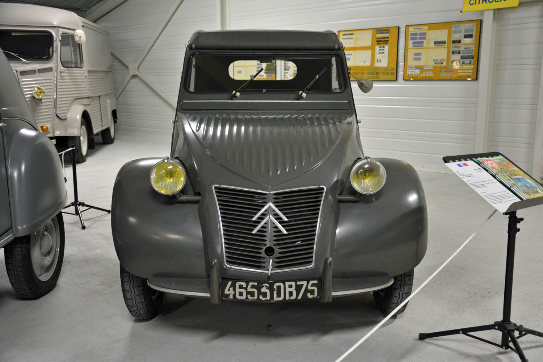 1954 Citroën 2CV A front