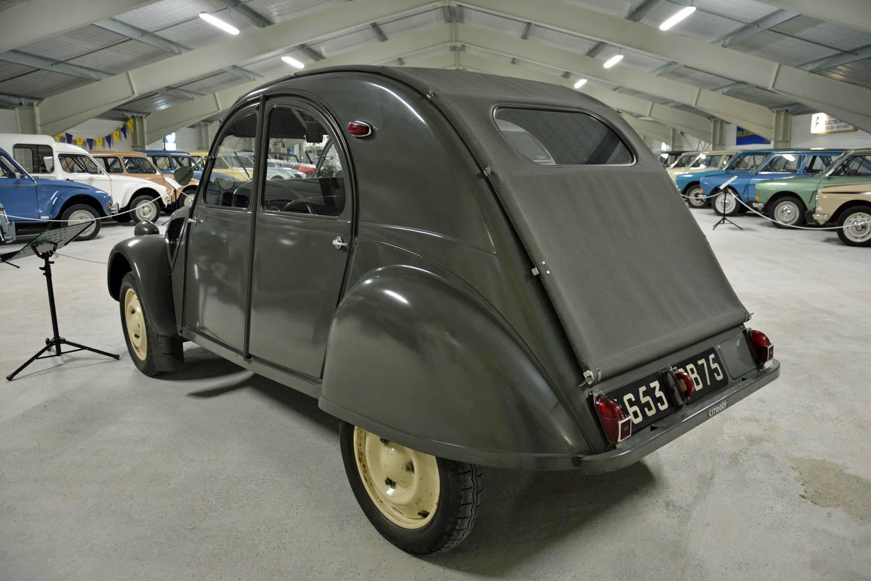 1954 Citroën 2CV A rear 3/4