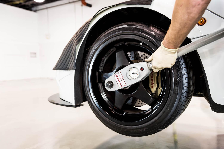 McLaren US Service Center wheels