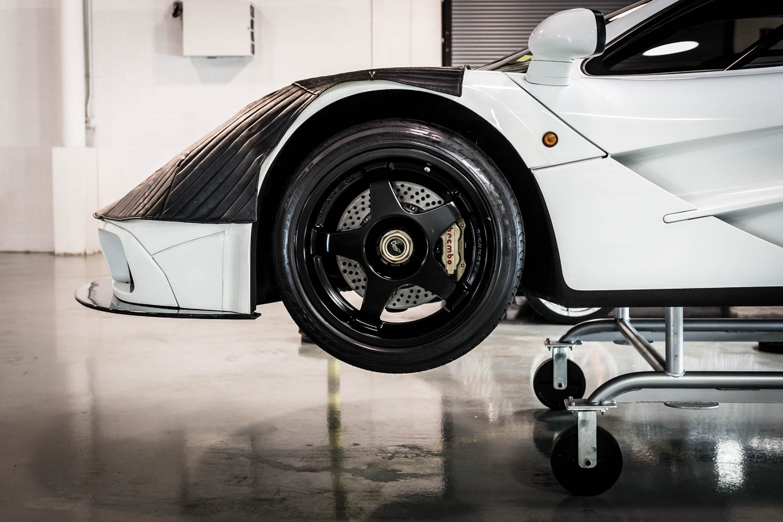 McLaren US Service Center wheel detail