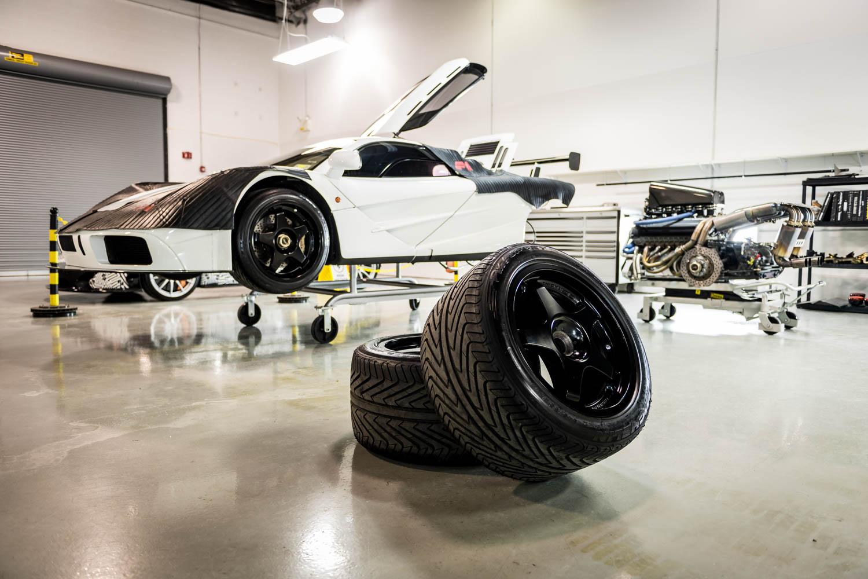 McLaren US Service Center tires