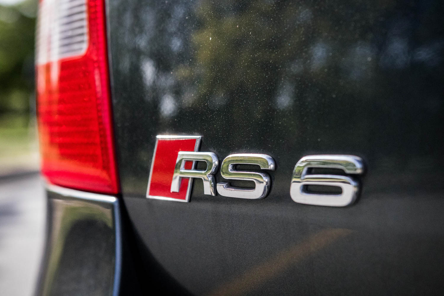 Audi RS6 Avant badge