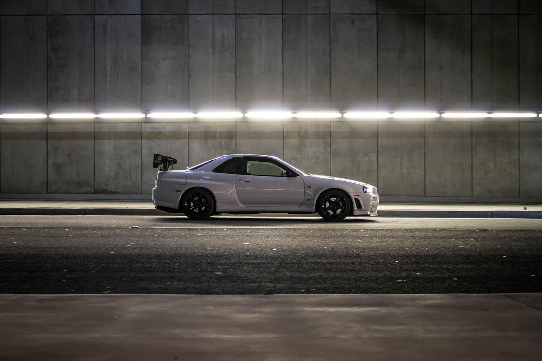 Nissan Skyline R34 GT-R profile