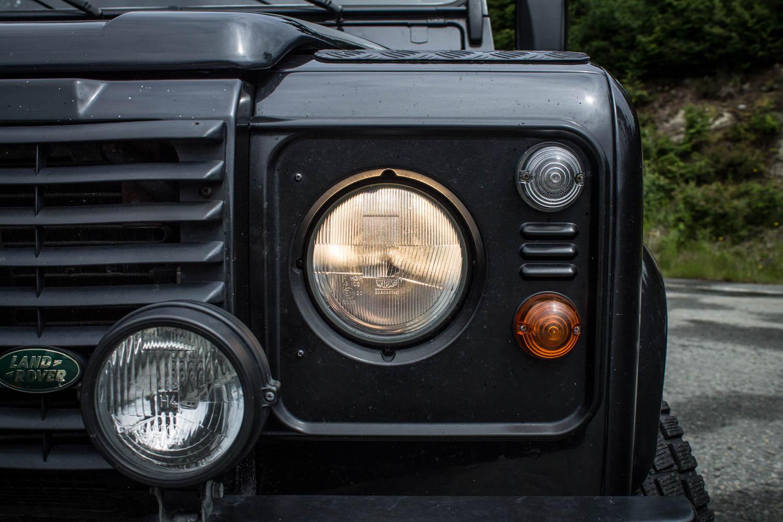 Land Rover Defender 110 TD5 headlight
