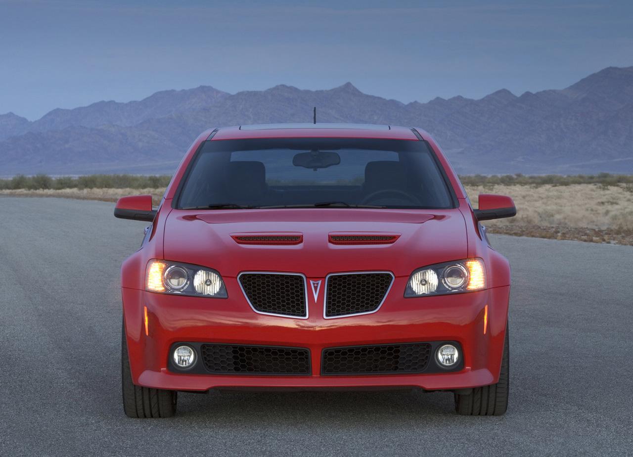 2008 Pontiac G8 GT front