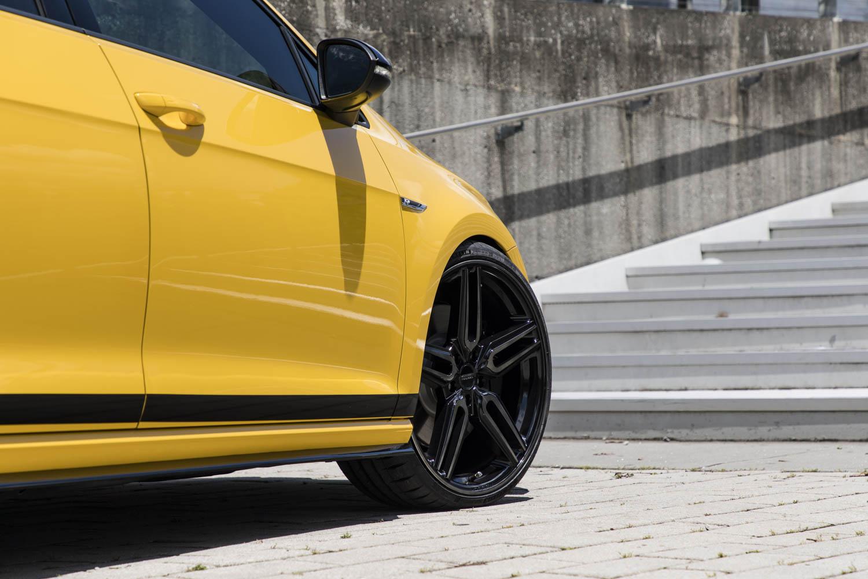 Volkswagen Golf R Spektrum Concept side