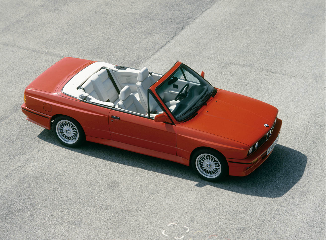 BMW E30 top down overhead