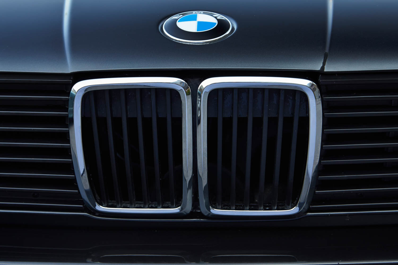 BMW E30 grille