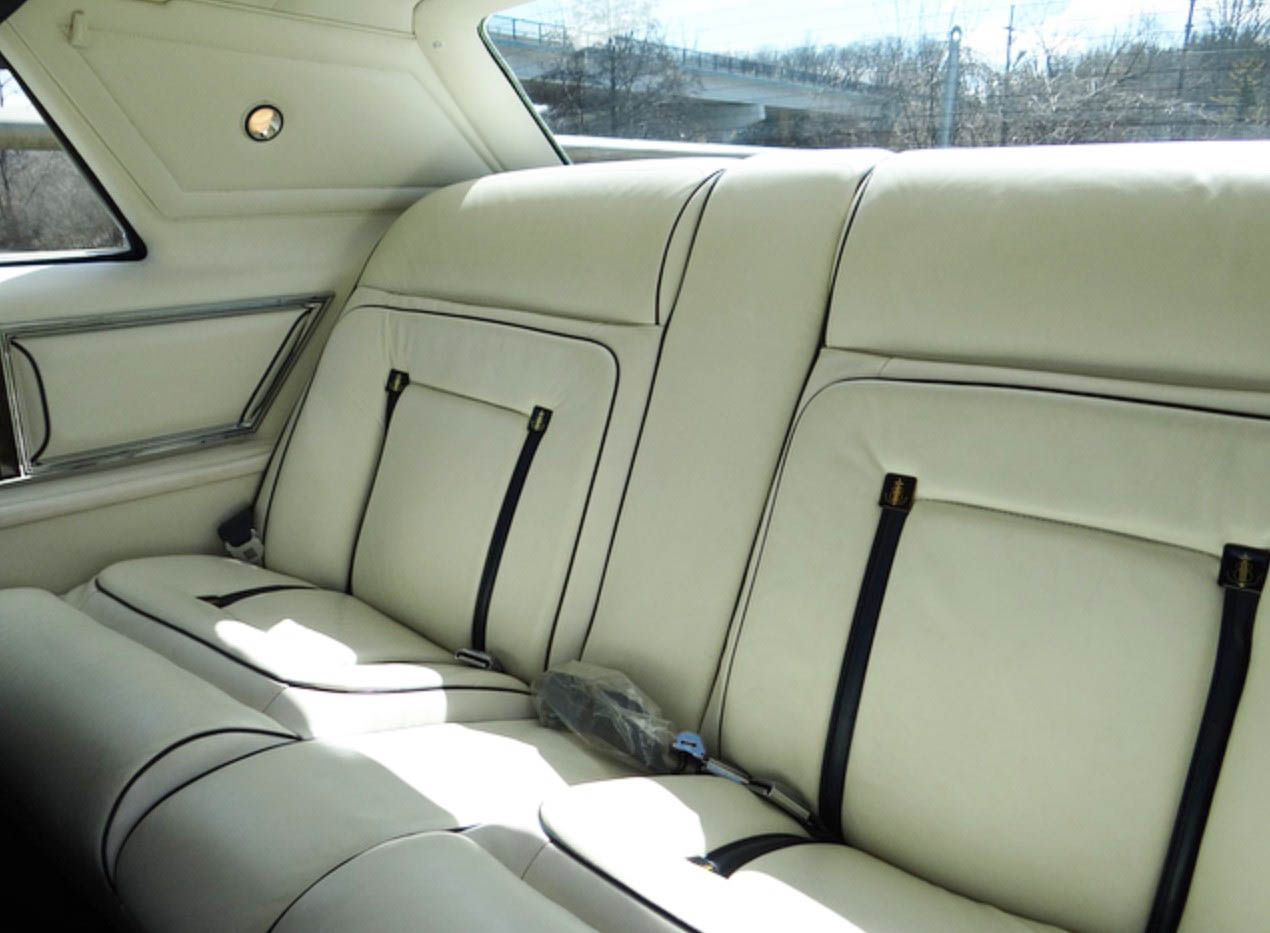 Lincoln Continental Mark V back seat detail
