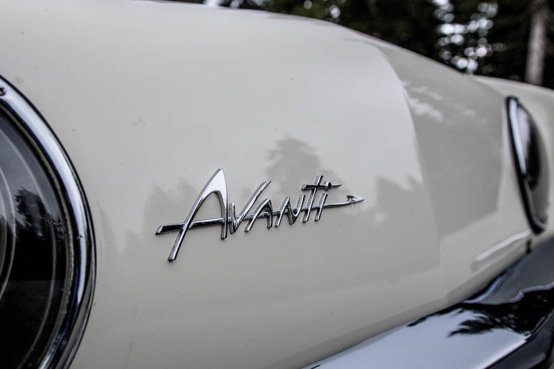 1963 Studebaker Avanti badge detail