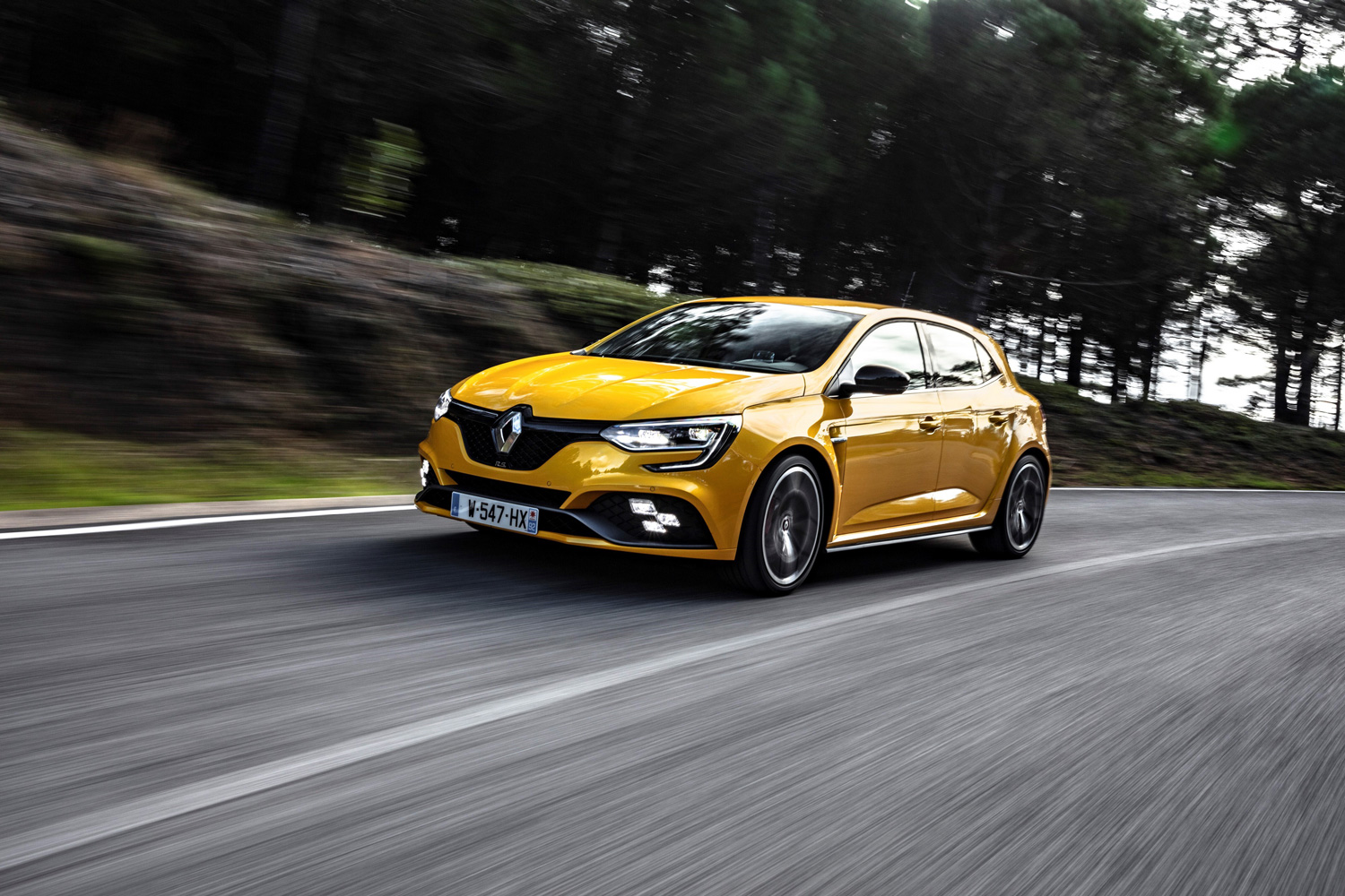 FCA gears up for merger with French automaker Renault thumbnail