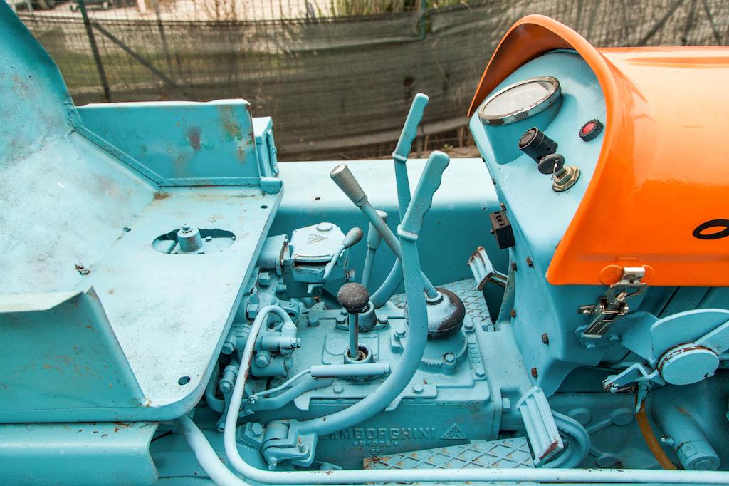 1962 Lamborghini 5C TL Tractor controls