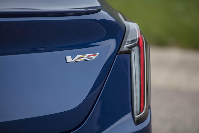 2020 Cadillac CT4-V badge