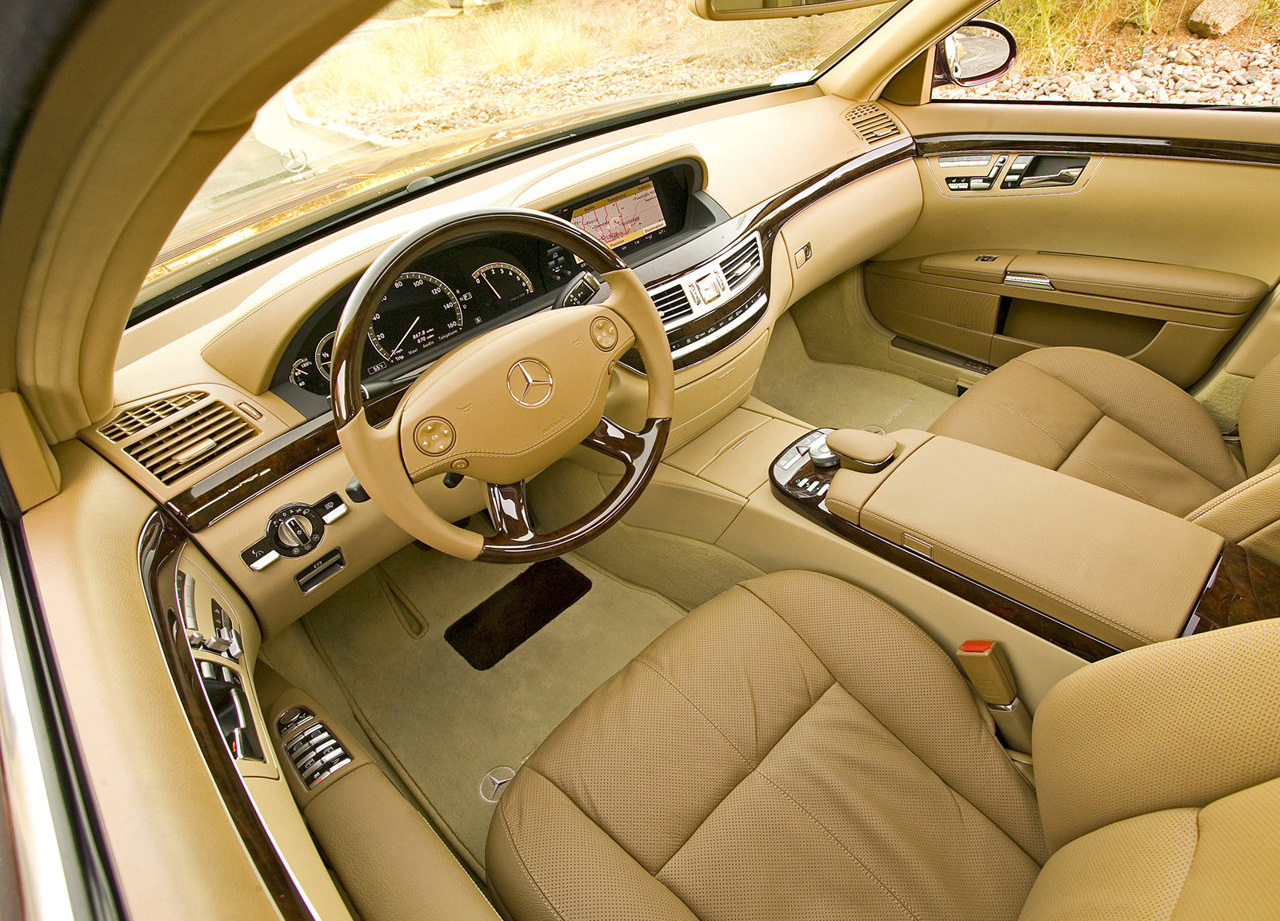 2007 Mercedes-Benz S550 interior