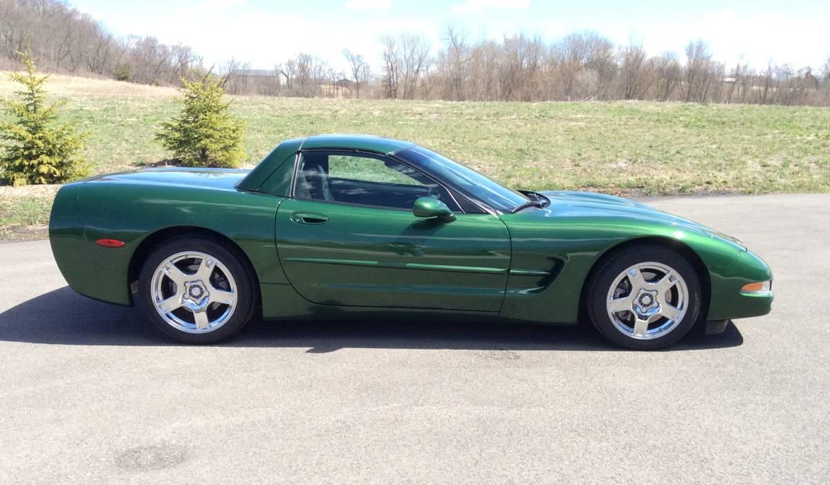 Is this C5 Corvette retractable hardtop brilliant or bogus? thumbnail