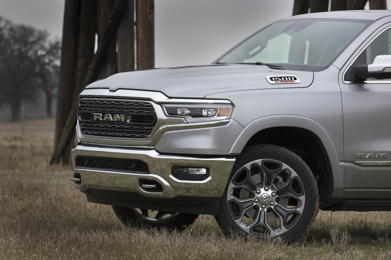 With 480 lb-ft of torque, RAM's new EcoDiesel fights the undercard bout thumbnail