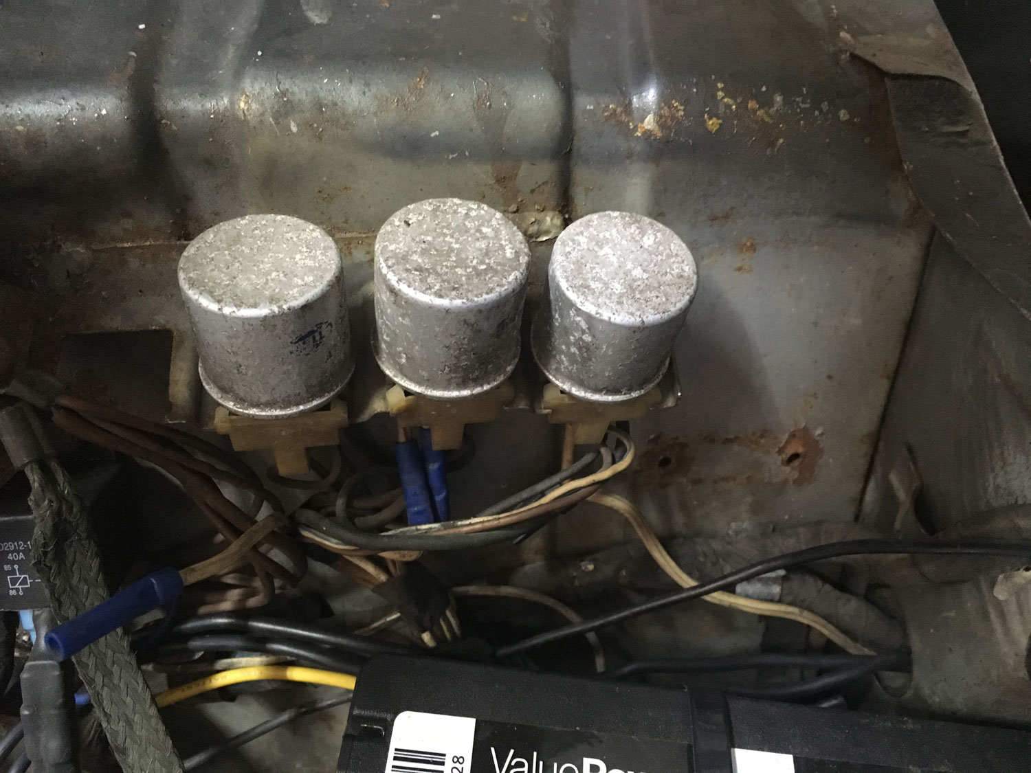 Horn, low beam, and high beam relays on 1975 BMW 2002
