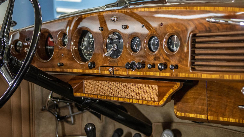 AI Design 54 Bentley dash