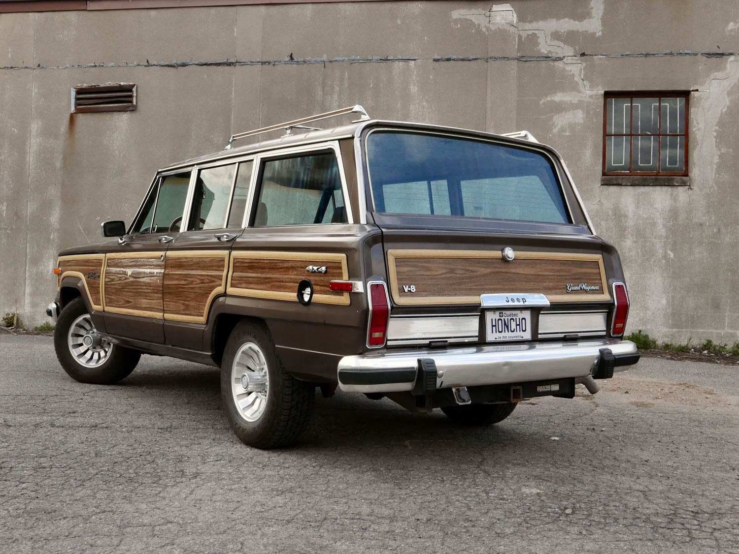 1987 Jeep Grand Wagoneer rear 3/4