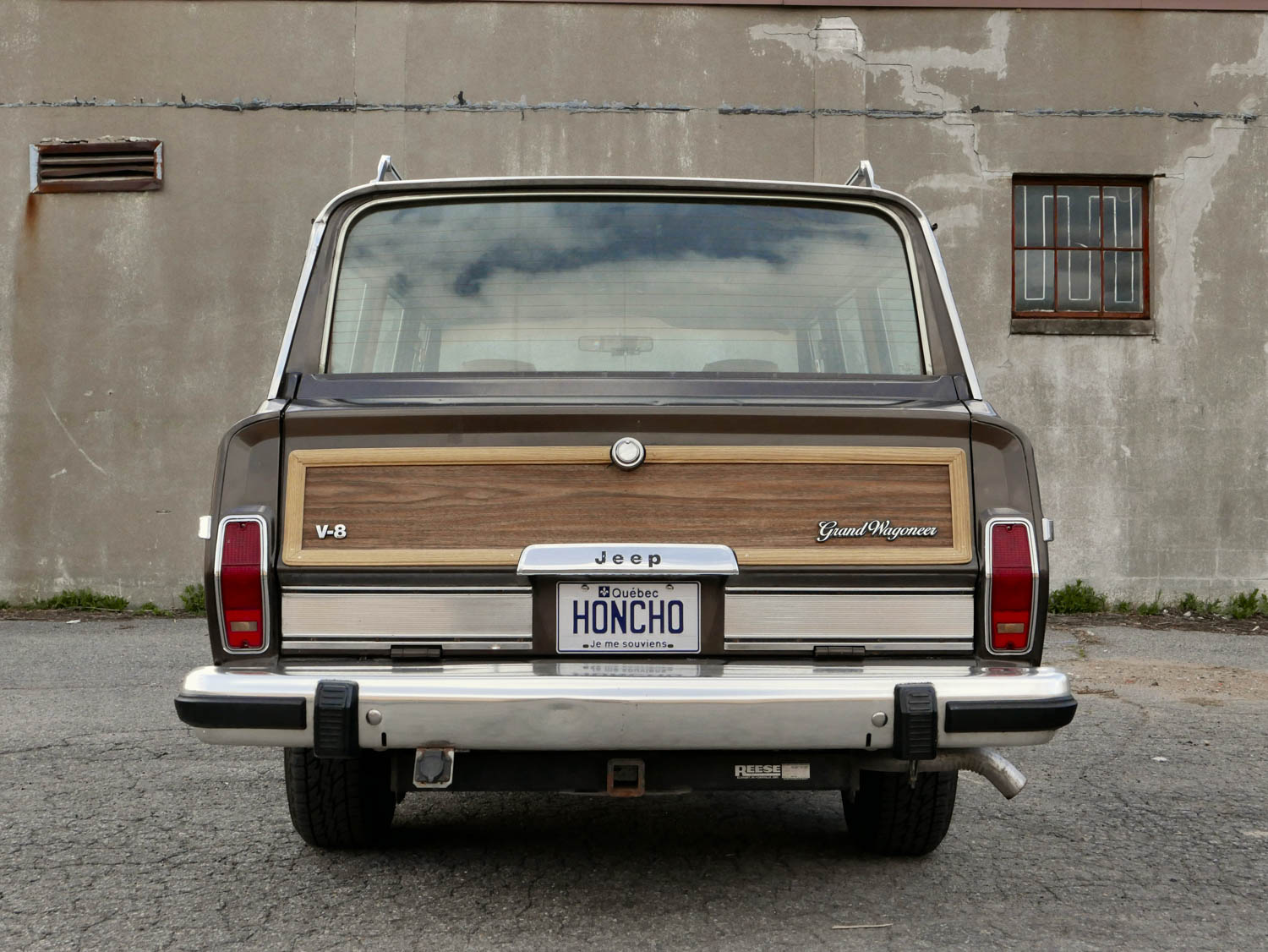 1987 Jeep Grand Wagoneer rear