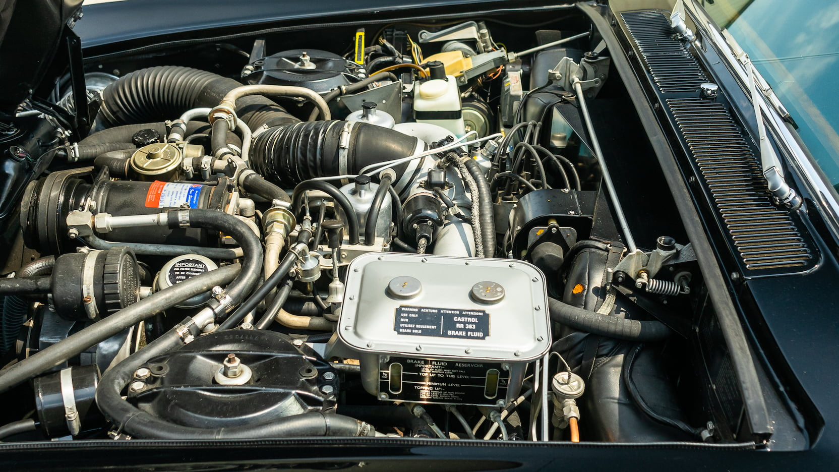 1971 Rolls-Royce Silver Shadow engine