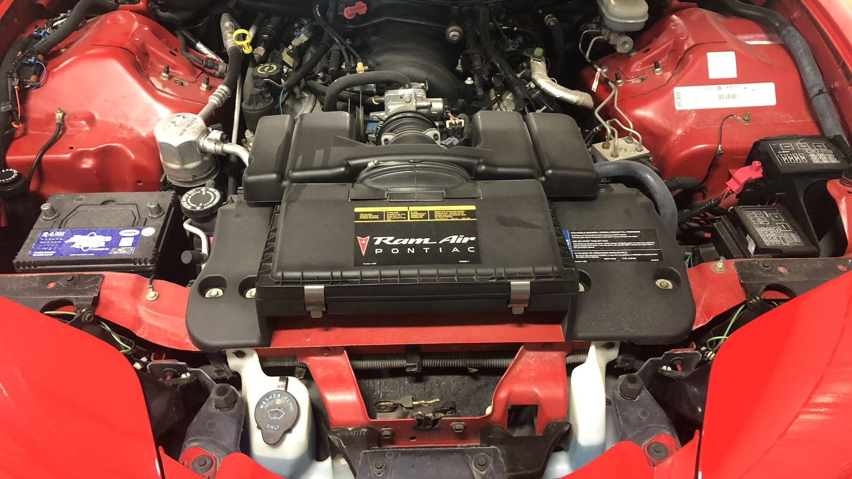 2000 Pontiac Firebird engine