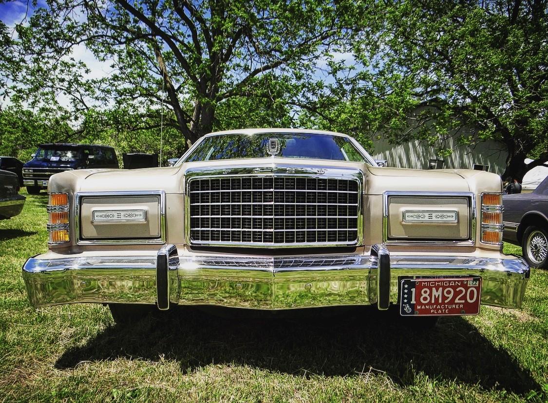 Ford LTD Landau front