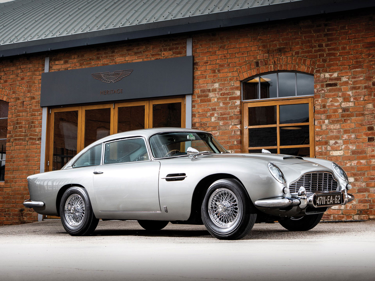 James Bond 1965 Aston Martin DB5 could sell for $11M thumbnail