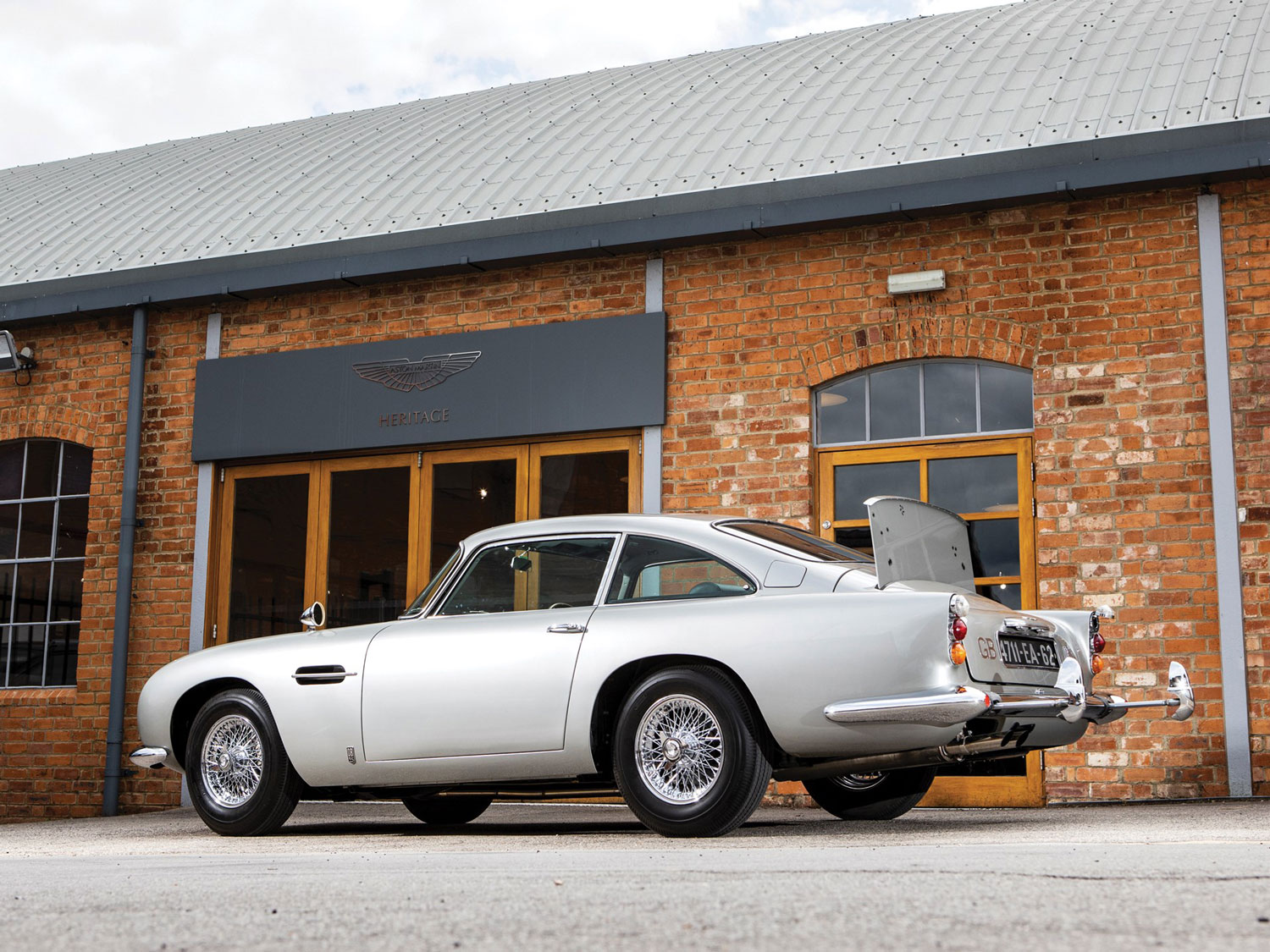 Check out James Bond's Aston DB5 in full gadgetized glory thumbnail