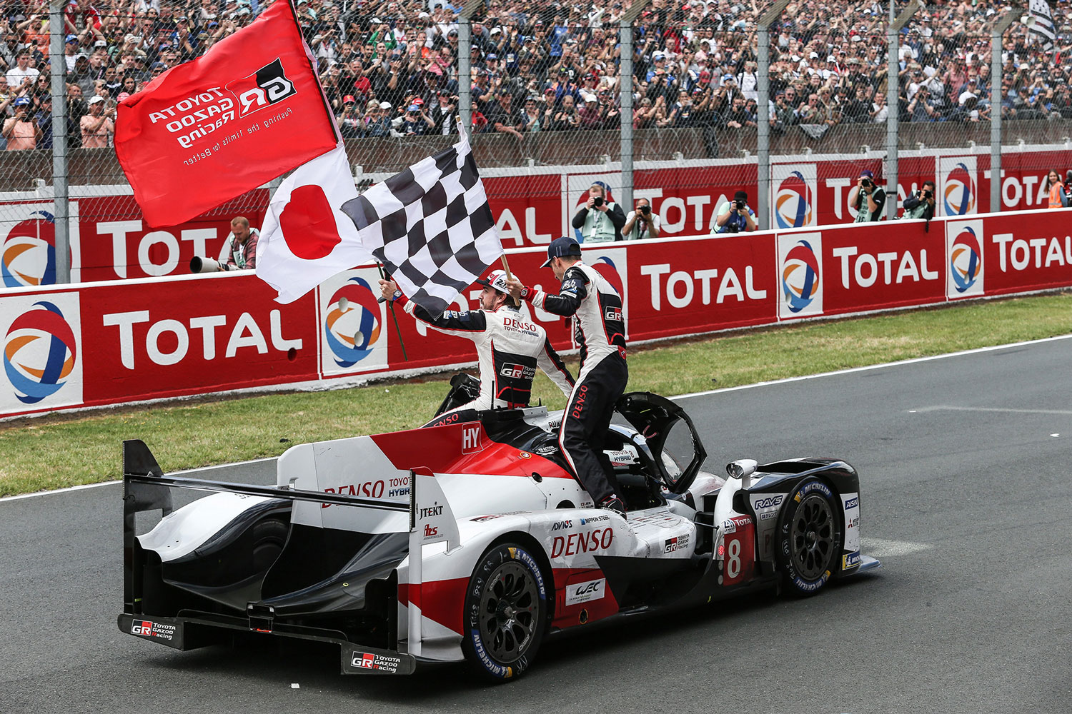 Toyota scores second consecutive Le Mans win