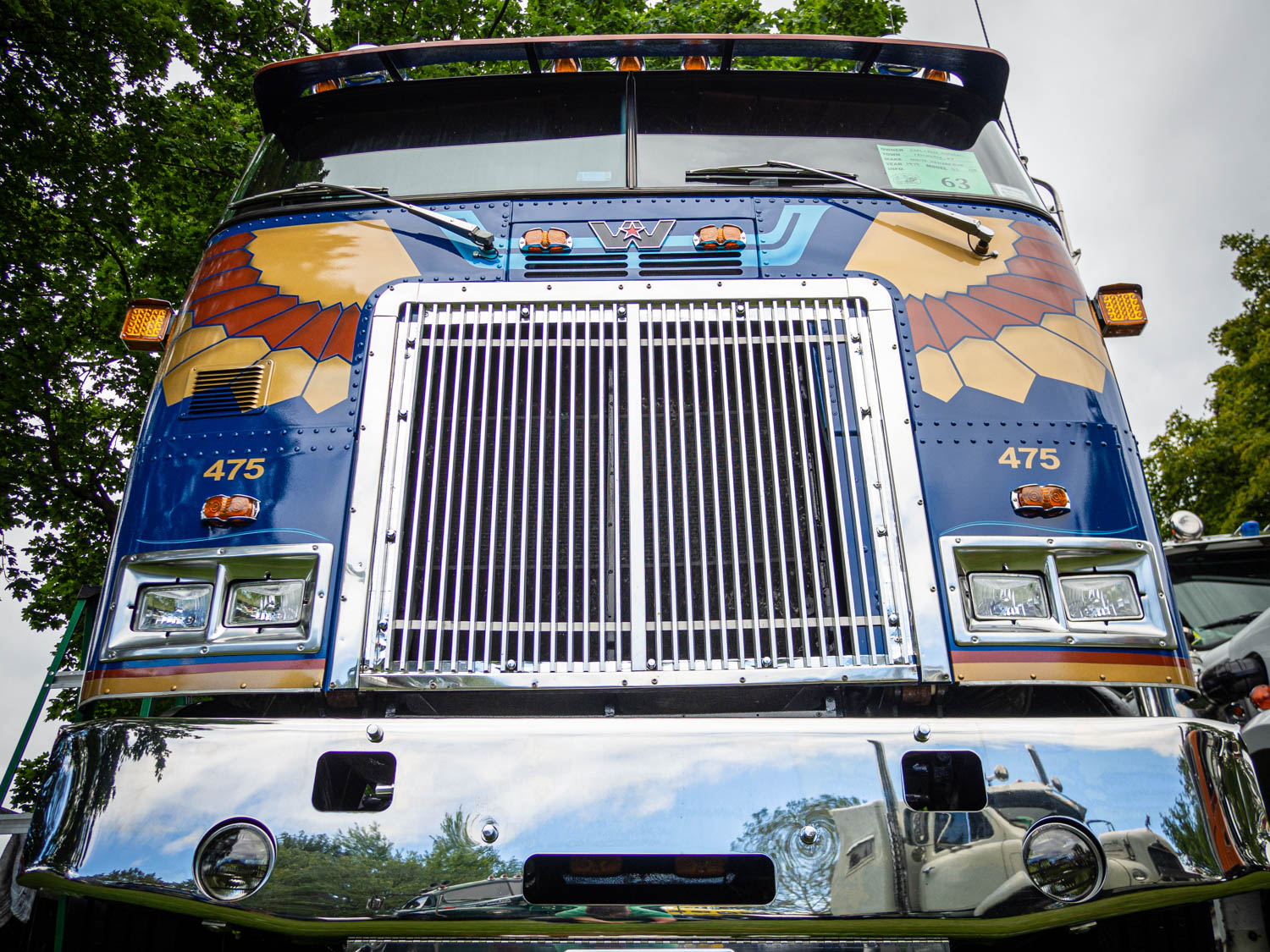 The wonderful paint job suited this 1979 White Western Star DS cabover perfectly.