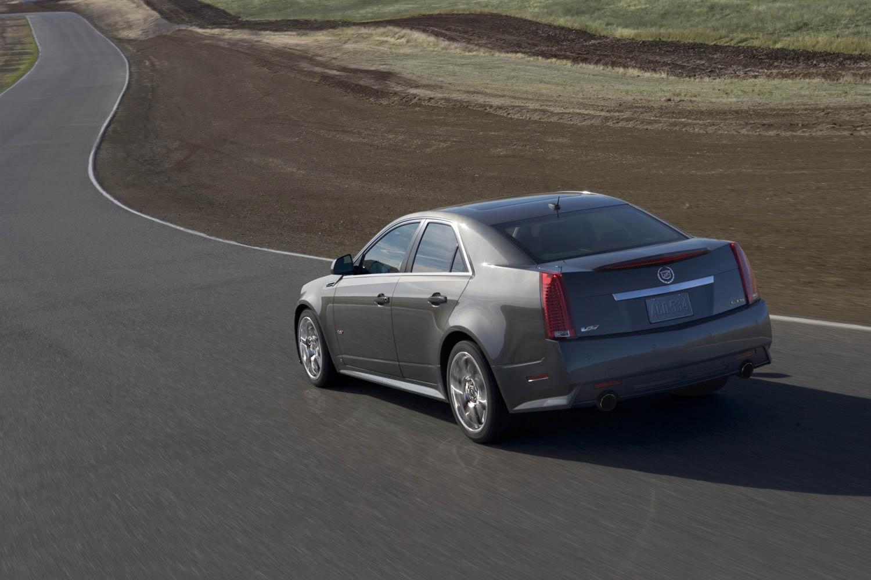 2013 Cadillac CTS-V rear 3/4