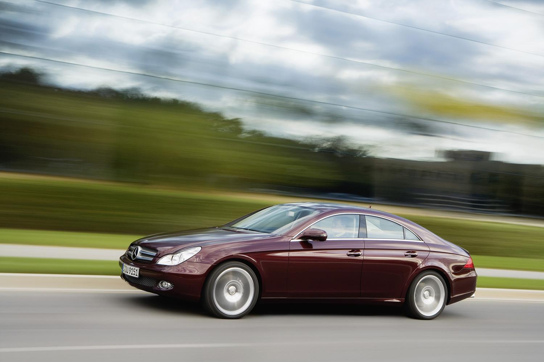 2009 Mercedes-Benz CLS550 driving