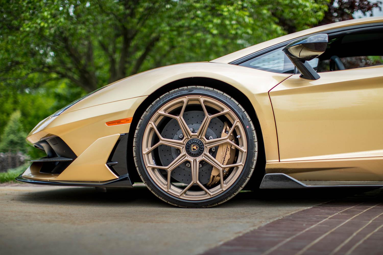 Lamborghini Aventador SV wheel detail