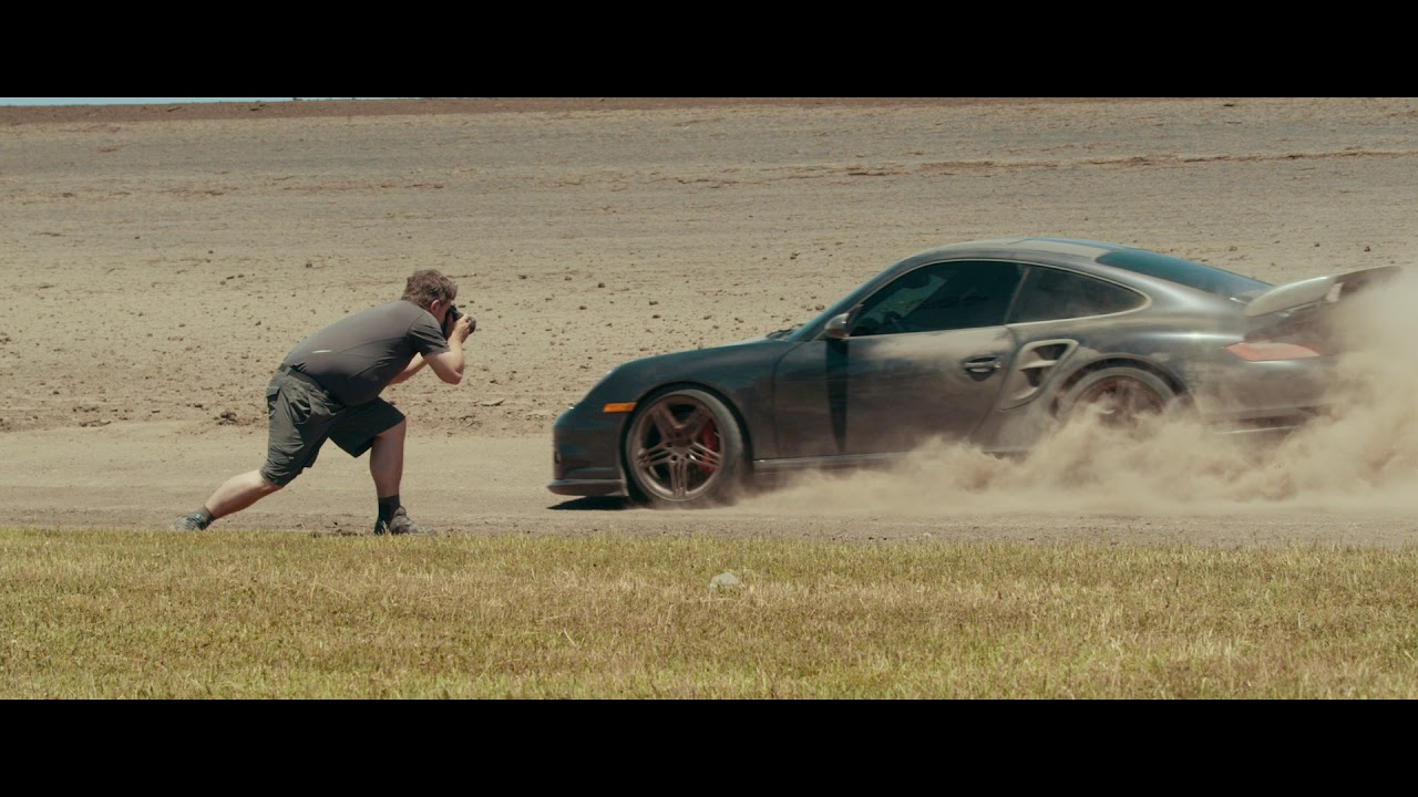 Start your day with a Porsche 911 Turbo drifting on a dirt track thumbnail