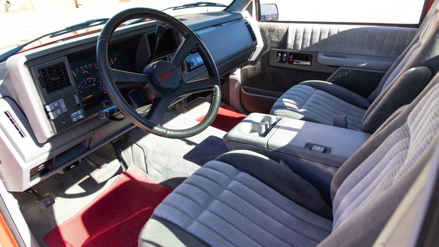 1993 Chevrolet 454 SS interior